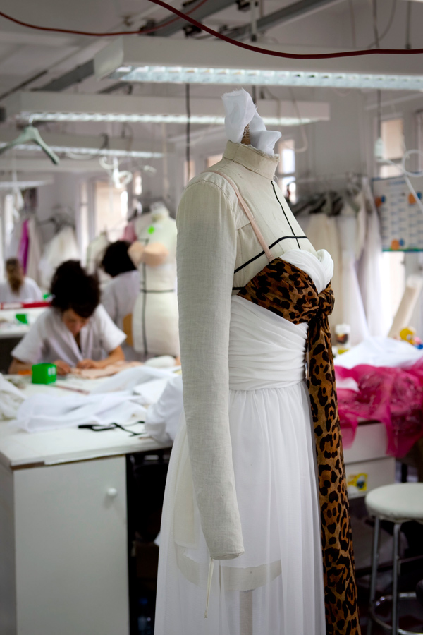 Ateliers couture Christian Dior, Petites mains