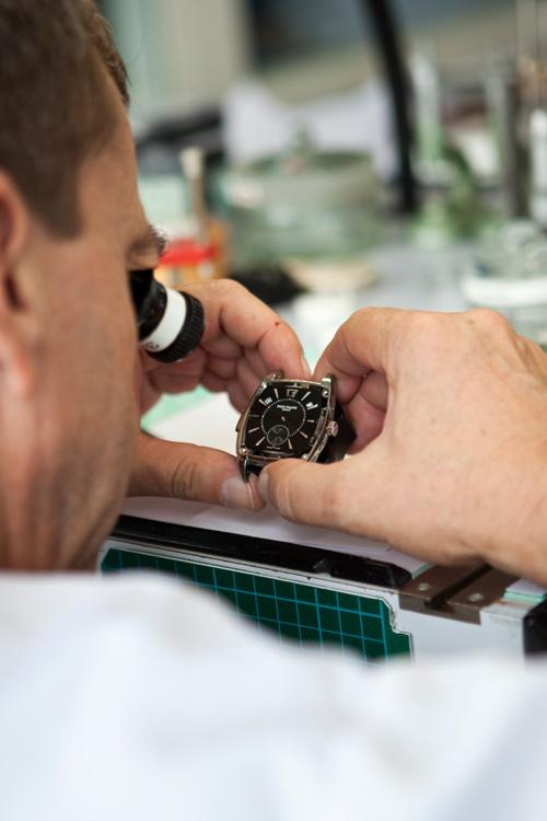 Patek philippe, horlogere, polissage, sertissage, atelier, suisse