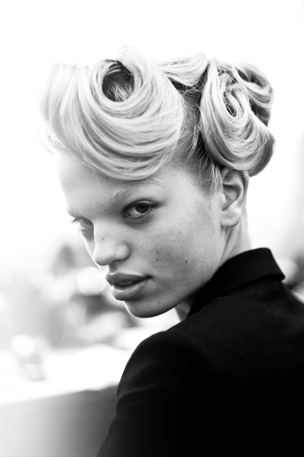 dior-backstage_Daphne-Groeneveld-james-bort